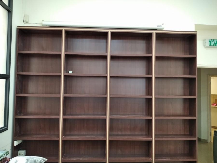 ספריה חדשה.jpg